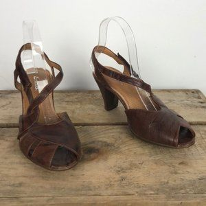 CLARKS brown leather open toe strap heels size 7.5